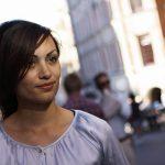 interimsuppdrag - Maryem Nasri ute på stan' mellan uppdrag, bild tagen av fotograf Ida Frid